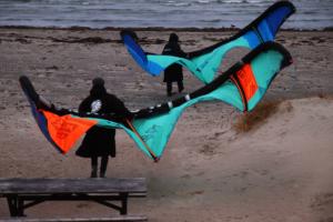 Vårens vindar är här för kitesurfarna