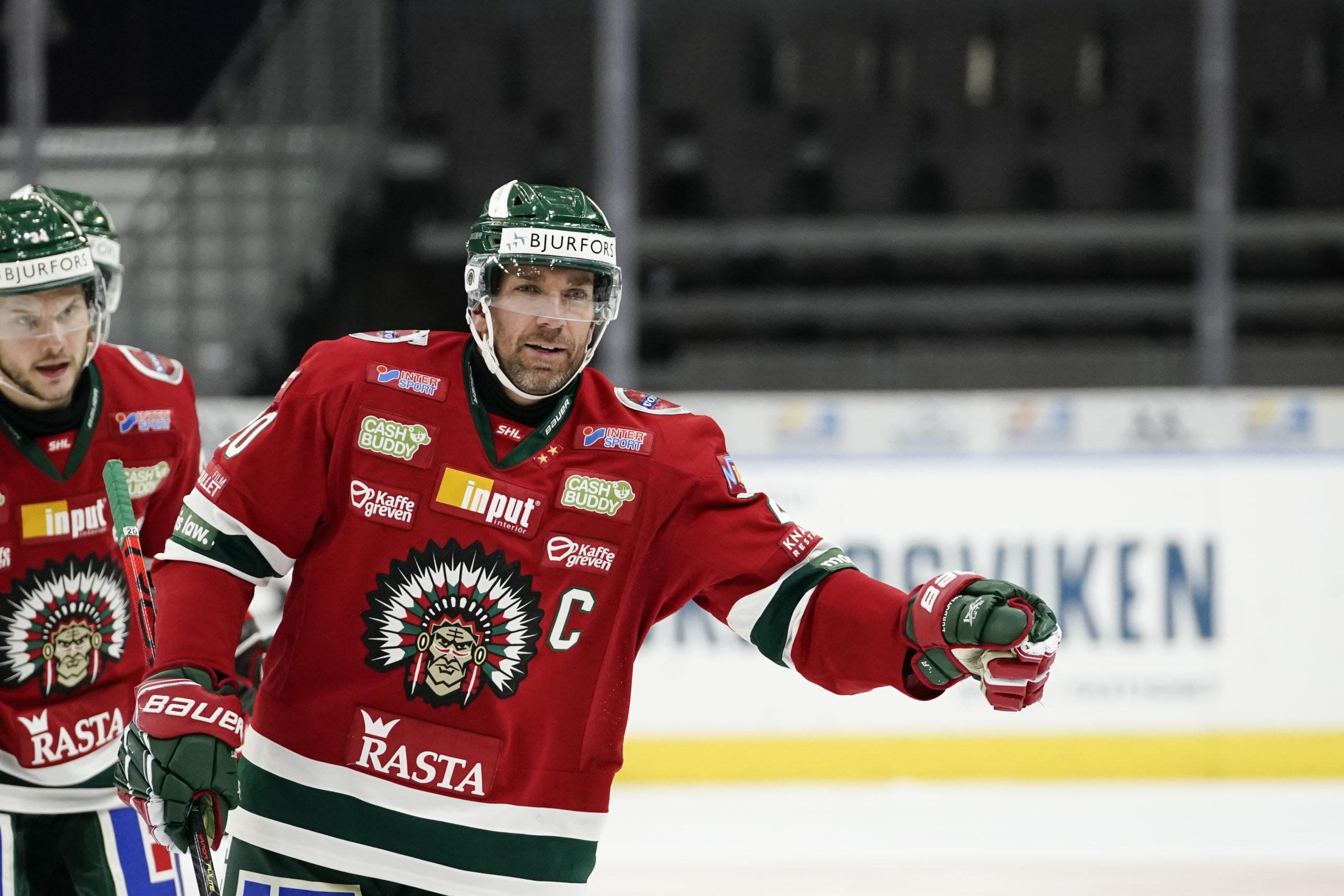 Joel Lundqvist på isen i Frölundas tröja.
